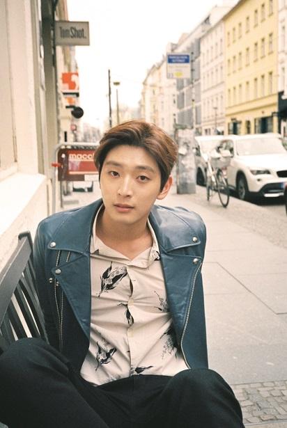 Jinwoon (1)